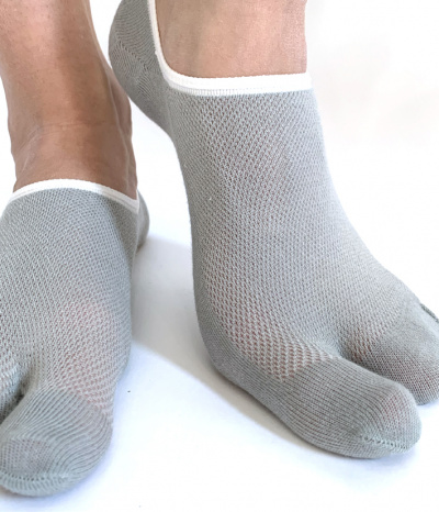 chaussettes invisible 2 doigts gris clair